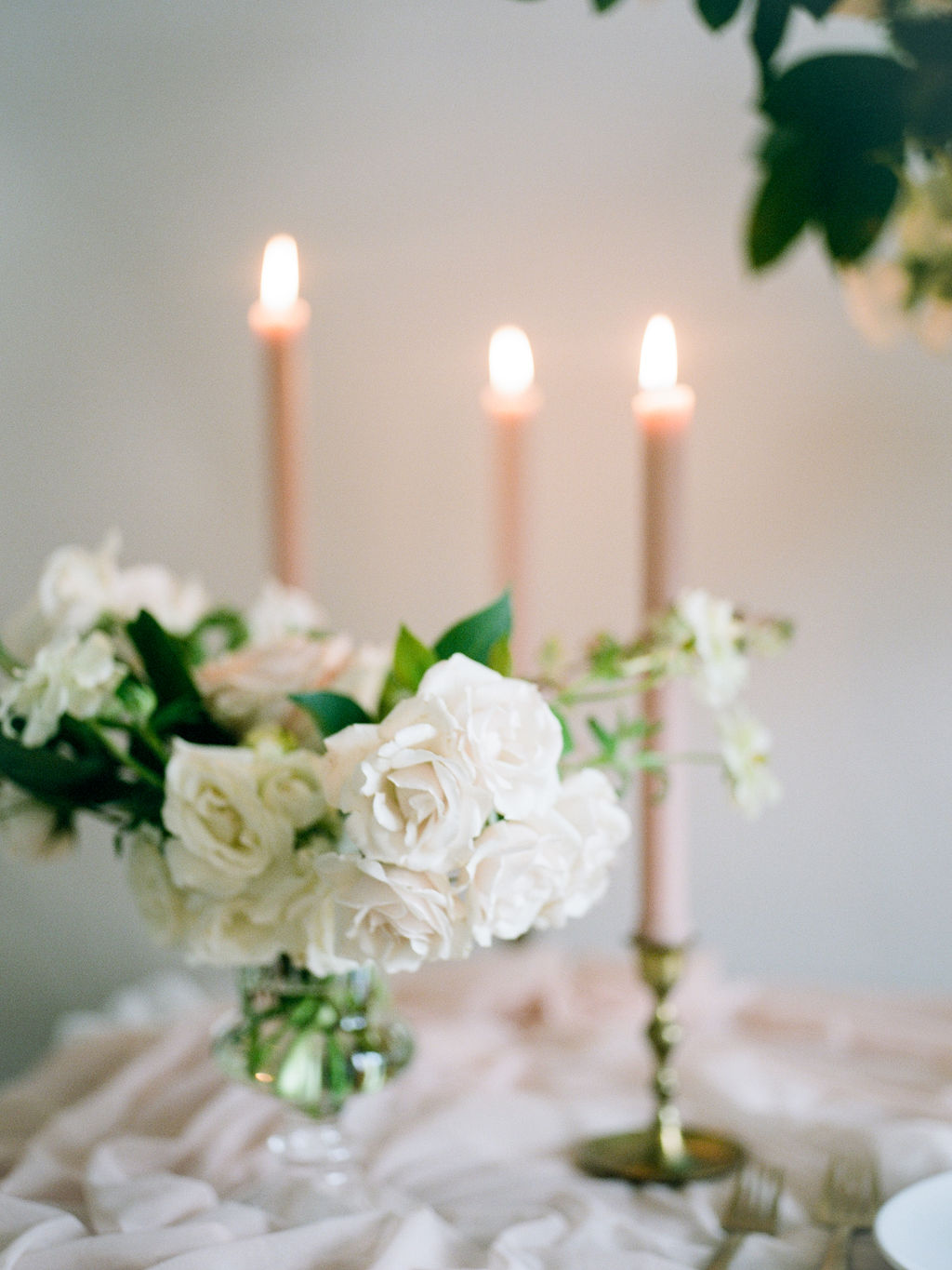 Maxit-Flower-Design-Christine-Gosch-Houston-Wedding-Flower-Taper-Candles.jpg