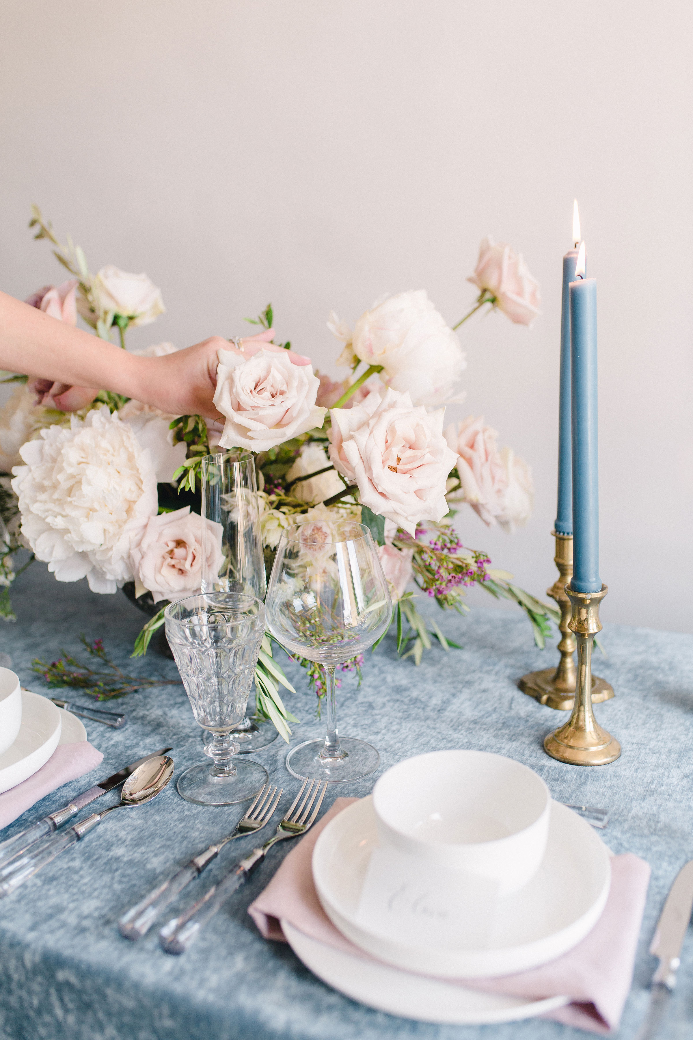 Simple and clean tableware and cutlery. Tablescape inspiration. Floral & Event Design by Maxit Flower Design, Photography:  Alicia Yarrish . Houston, TX.