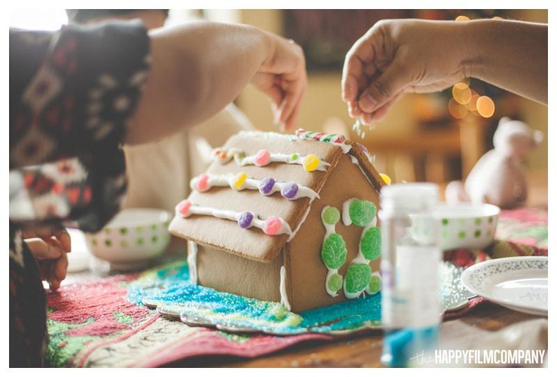 the happy film company_family gingerbread house_0010.jpg
