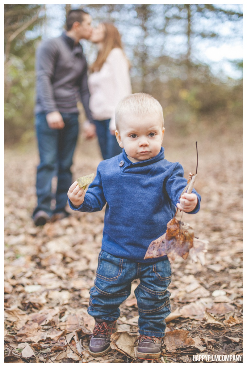 the happy film company_forest family portraits_0010.jpg