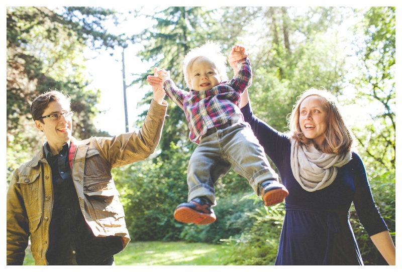 cute family photos   - the Happy Film Company - Seattle Family Photographer