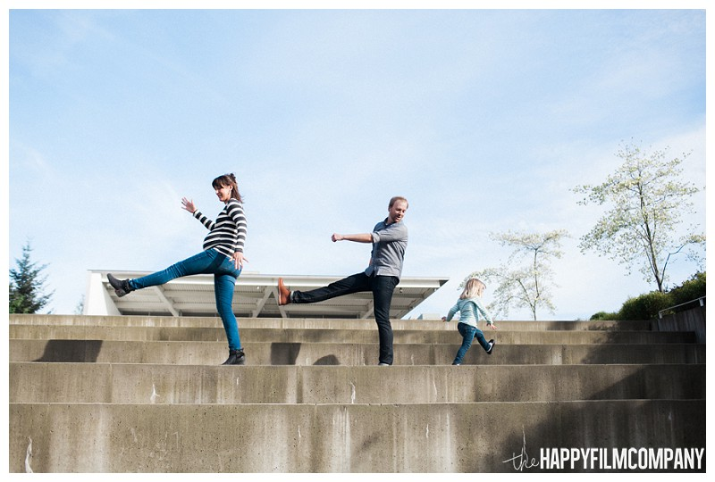Cute outdoor family photoshoot - the Happy Film Company - Seattle Family Photography