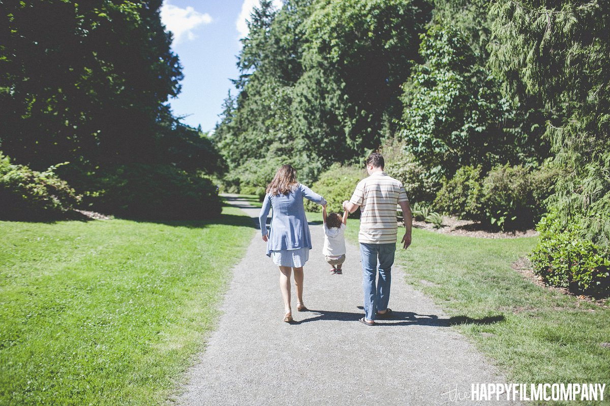Enjoying the Sun - afternoon walk -  the Happy Film Company - Seattle Family Photos