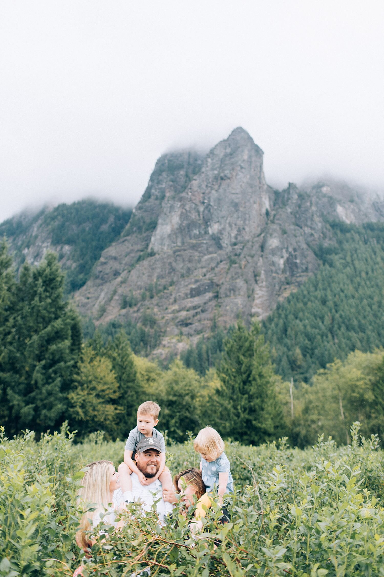 the Happy Film Company - Bybee Farm North Bend Blueberry Patch - Seattle Eastside Family Photographer Outdoor