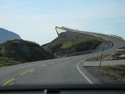 """ Bridge to nowhere ."" Flickr user: xdmag."