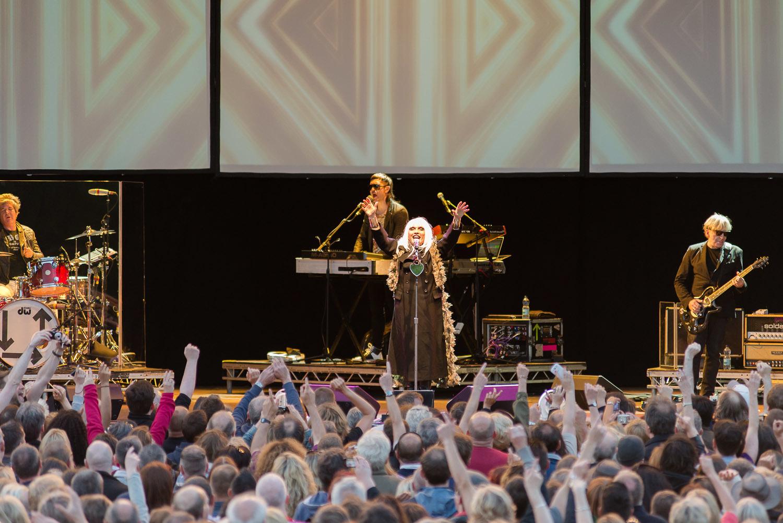 Blondie-Concert-1.jpg