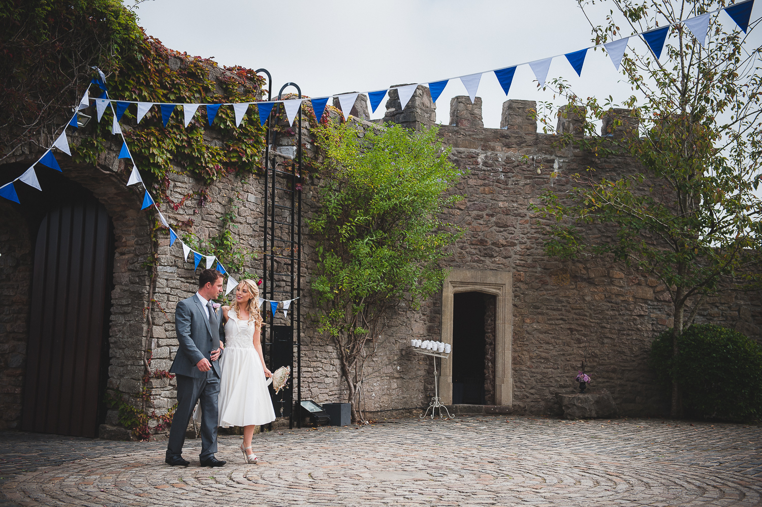 Walton-castle-wedding-photographer-clevedon-7.jpg
