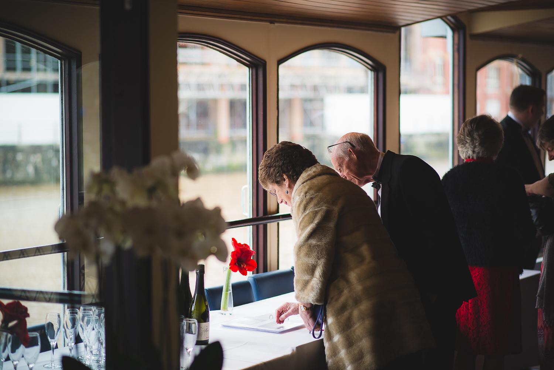 Glassboat-bristol-wedding-photography-21.jpg