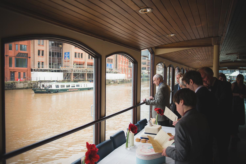 Glassboat-bristol-wedding-photography-24.jpg
