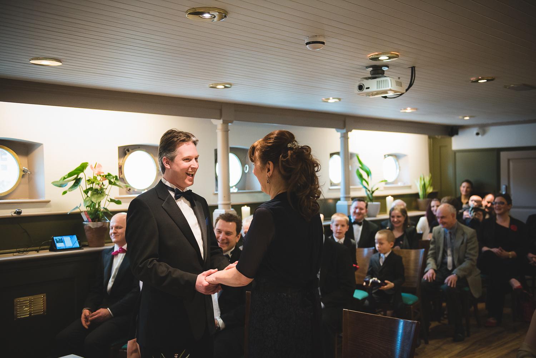Glassboat-bristol-wedding-photography-37.jpg