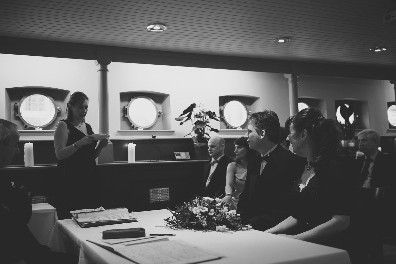 Glassboat-bristol-wedding-photography-39.jpg