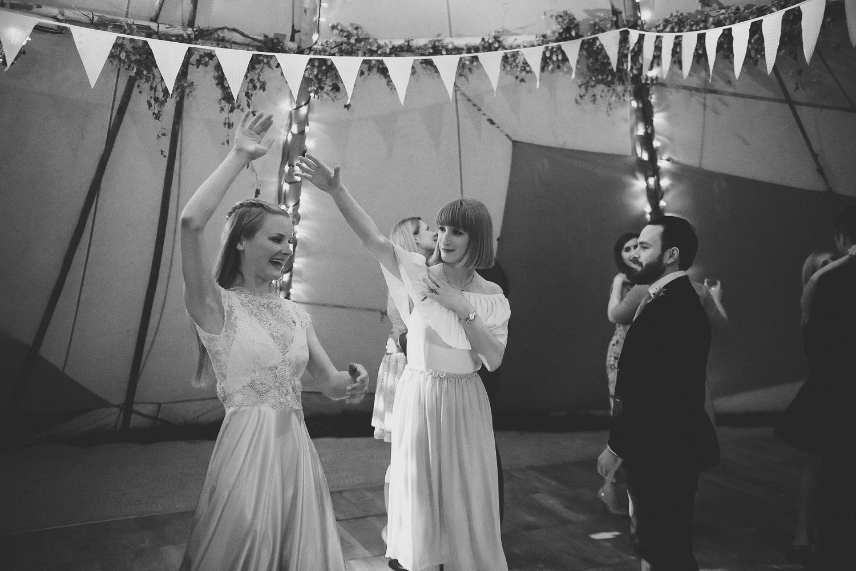wedding-photographer-sussex-tipi-117.jpg