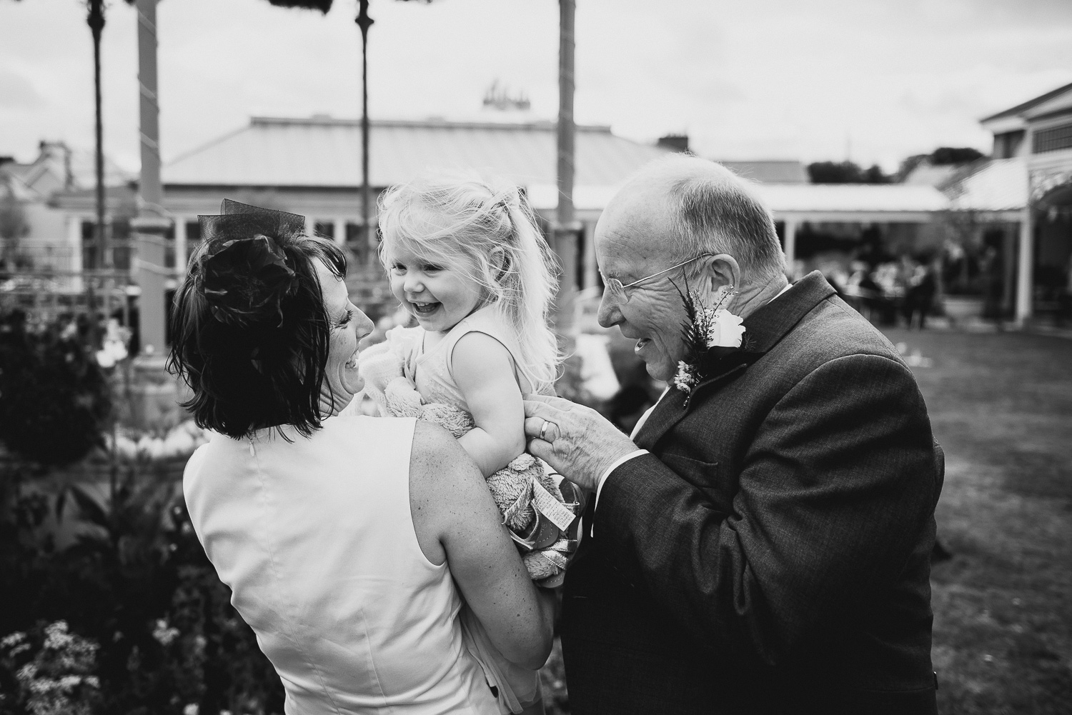 seaside-wedding-cornwall-devon-photographer-3.jpg