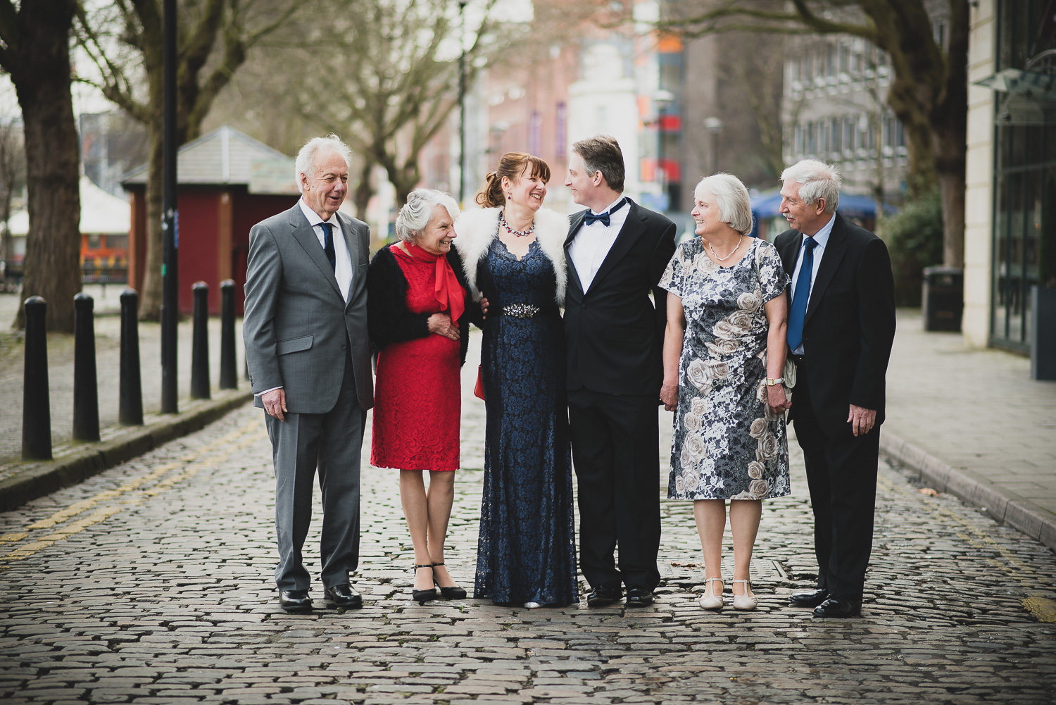group photo at winter wedding in bristol using 85mm lens