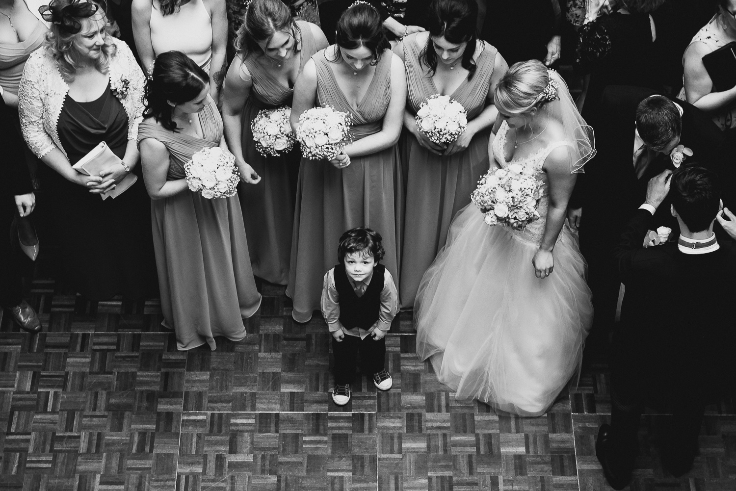 funny wedding picture of children at wedding