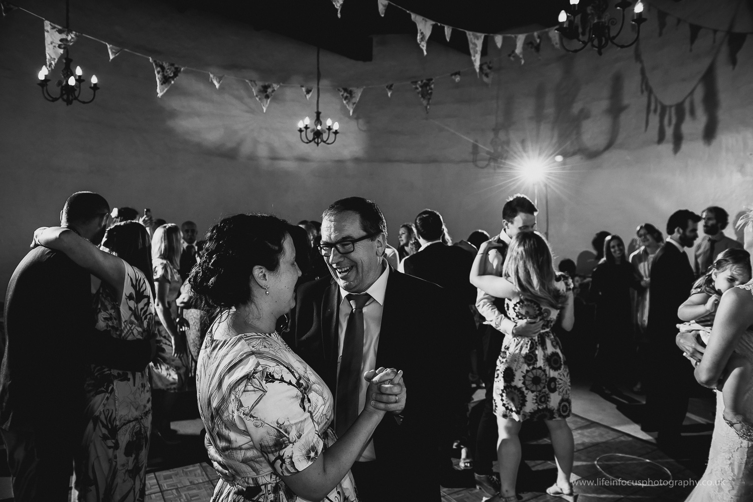 somerset-wedding-photographer-castle-venue-clevedon-39.jpg