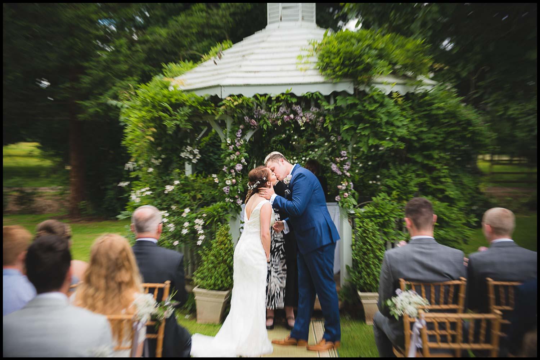 zooming-long-exposure-wedding-photography.jpg