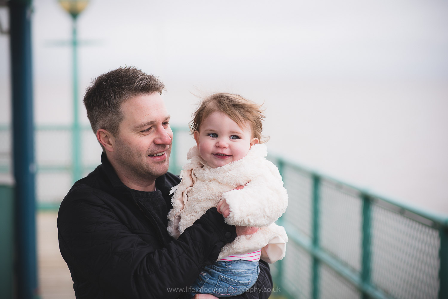 clevedon-pier-family-photo-session-24.jpg