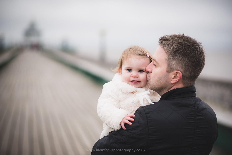 clevedon-pier-family-photo-session-13.jpg