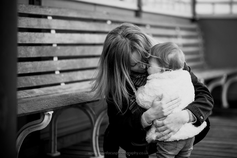 clevedon-pier-family-photo-session-21.jpg