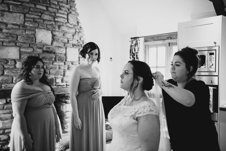 great-tythe-barn-wedding-photography-tetbury-20.jpg