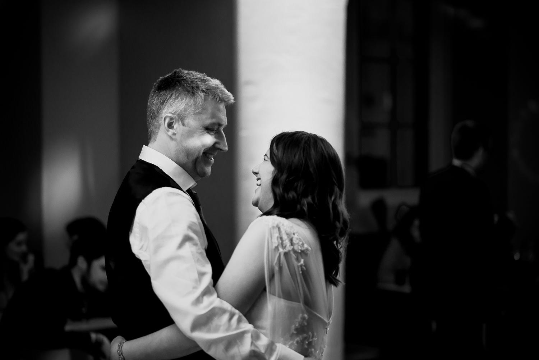 Oxford-wedding-photographer-Ashmolean-museum-75.jpg