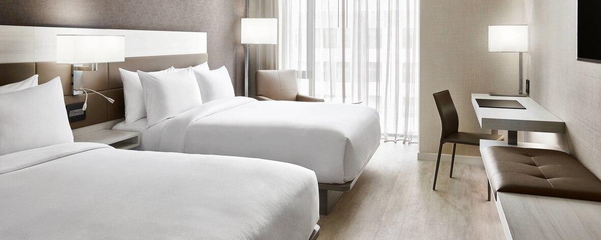 dalnc-guestroom-0009-hor-feat.jpg