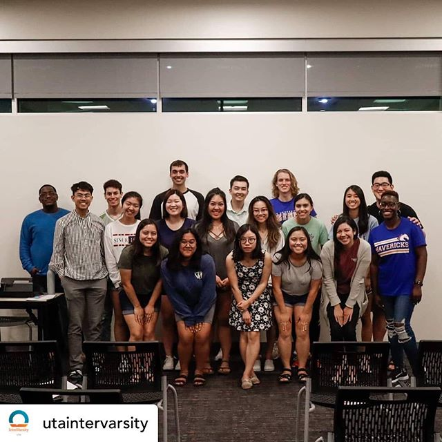 Love what God is doing at UT-Arlington! #letsgo #everycampus #prayingforrevival • @utaintervarsity 1ST LARGE GROUP OF THE SEMESTER: ✔️ Thank you to all who came out to worship and praise God!! Special shout out to our amazing speaker, @h.ms.c, we love you ❤️ Join us next week for our family groups, Mondays at 6pm and Thursdays at 4pm! See y'all there 😁