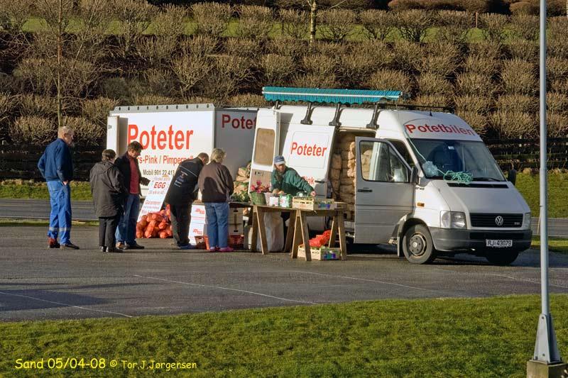 Potetbilen på besøk på Sand. Foto: Tor Jørgensen.