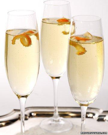 Mandarin champagne cocktail   http://www.marthastewart.com/318192/mandarin-cocktail?czone=entertaining%2Fcocktail-hour%2Fcocktail-recipes&gallery=275544&slide=318192&center=276959