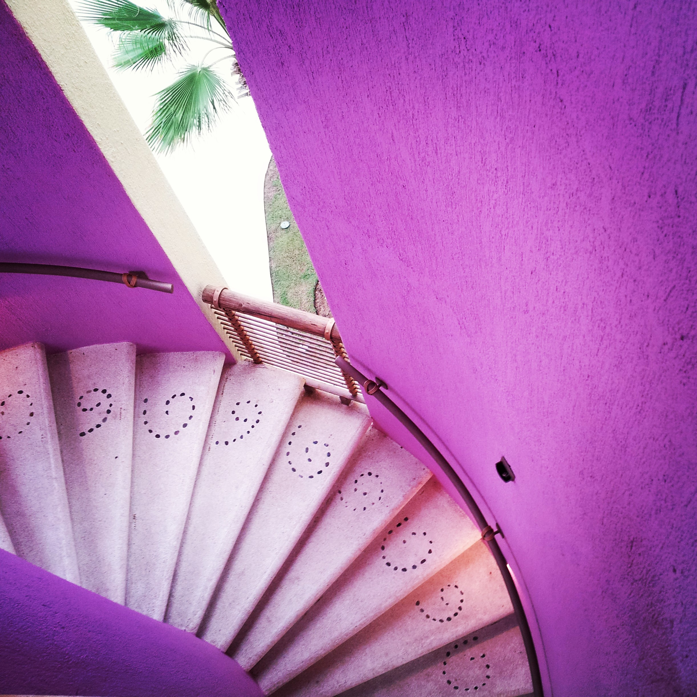 Color me magenta! This was just a random staircase I found tucked into a corner of the resort.