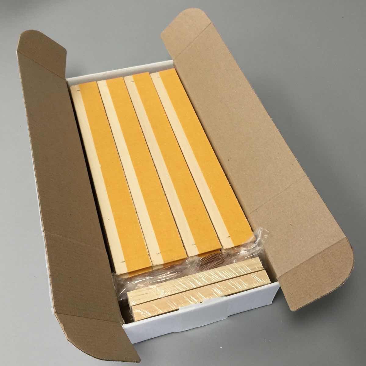 Packaged 16 bars / 4 frames to a box. Staples and tensioners included.