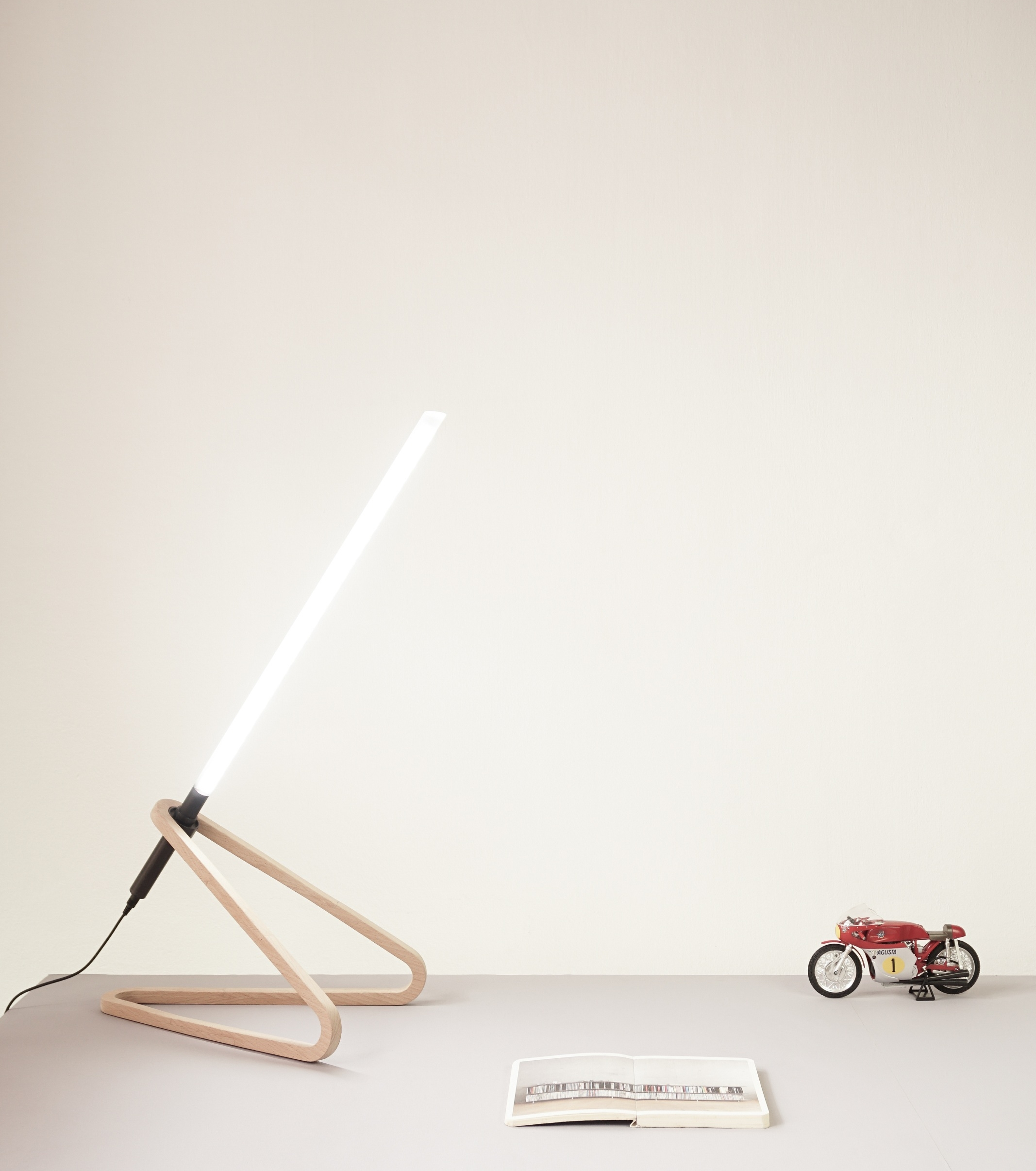 ALHAZEN LED TASK LAMP 2.jpg