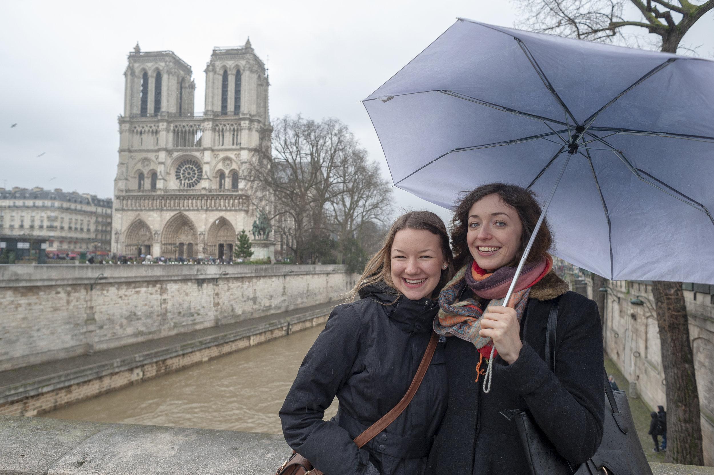 Farewell near Notre-Dame
