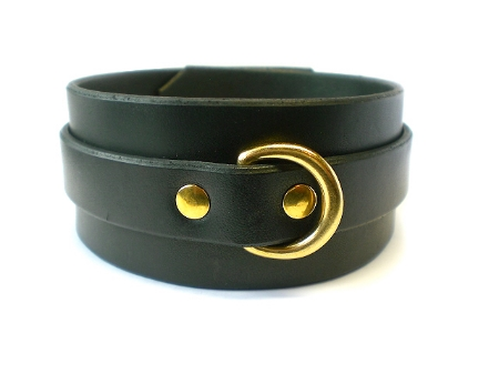 black bridle leather - front view