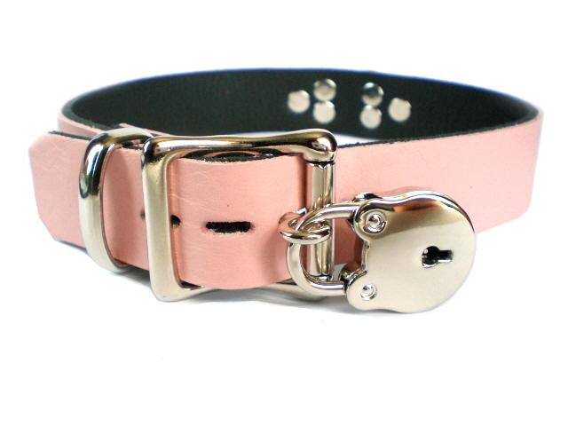 lockable w/padlock -baby pink