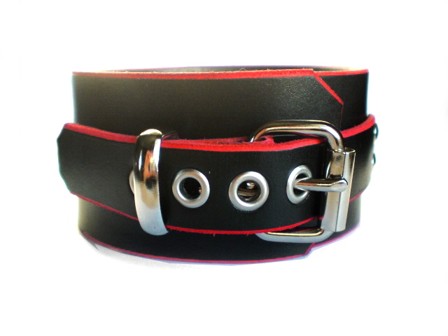standard buckle - black w/red edges