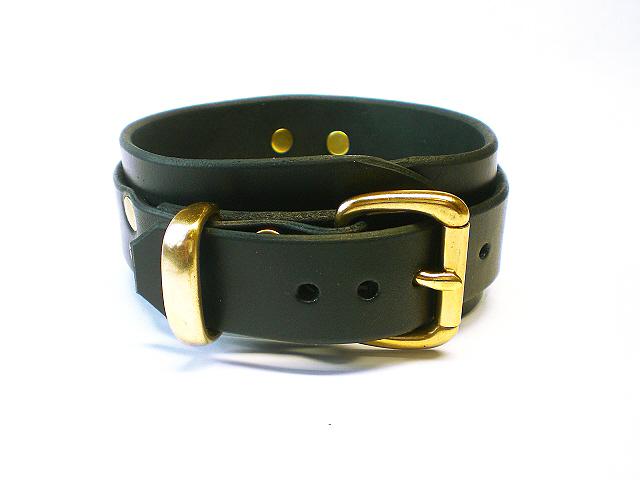 black bridle - buckle view