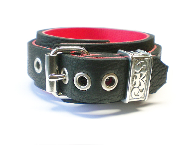 standard buckle w/Engraved Horse Shoe Brand Keeper