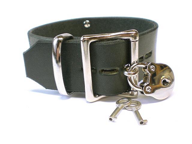 "1-1/2"" full size lockable buckle (black Latigo shown)"
