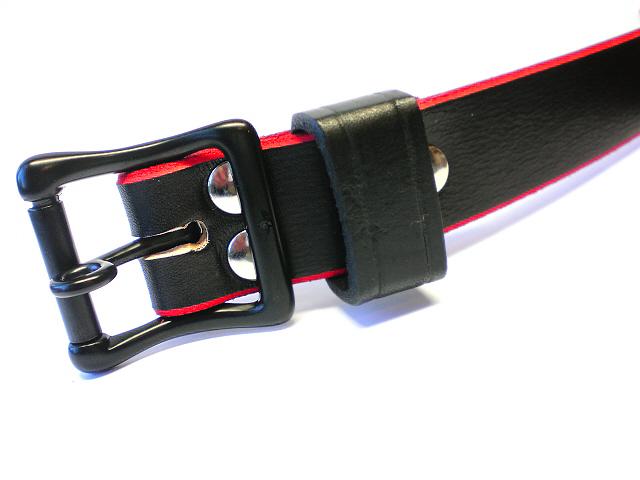 black lockable buckle - black leather keeper
