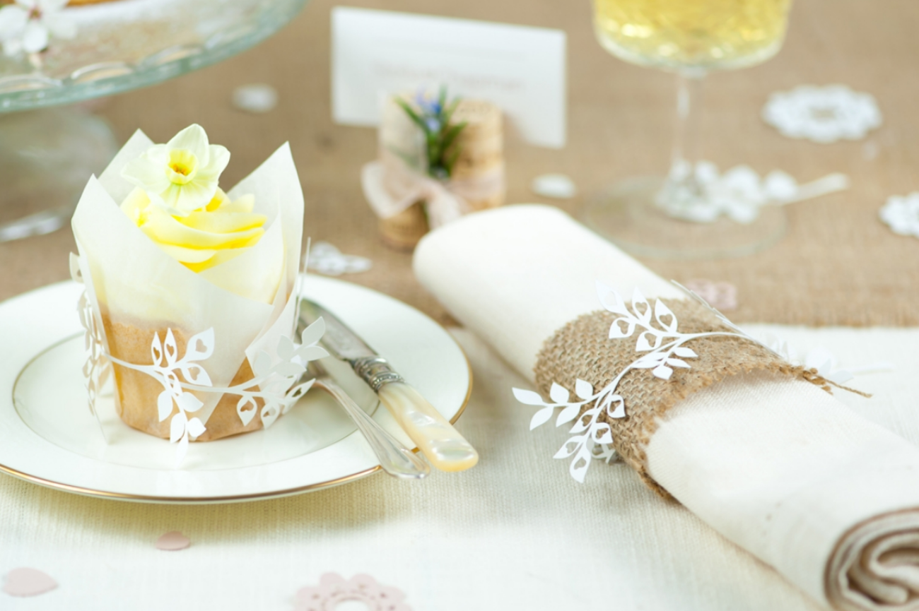 Wrap bands can be used to to decorate napkins or favours