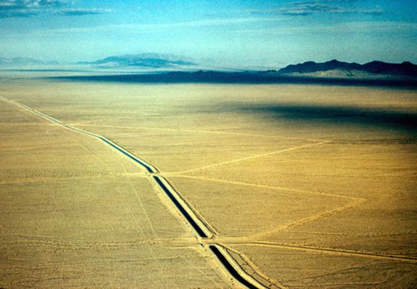 Colorado Aqueduct , circa 1971  Courtesy of the Metropolitan Water District of Southern California