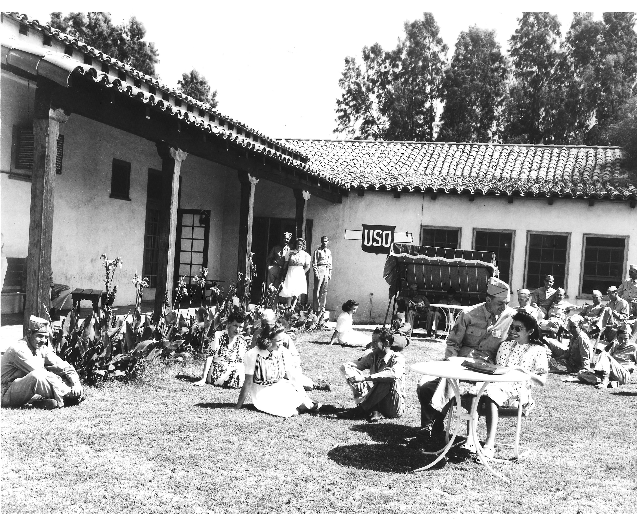 White soldiers relax at the Indio USO in June 1942. Black soldiers were segregated to subpar USO facilities, though the local black community worked hard to provide entertainment and recreation space for the troops. U.S. Army photography, courtesy of the General Patton Memorial Museum.