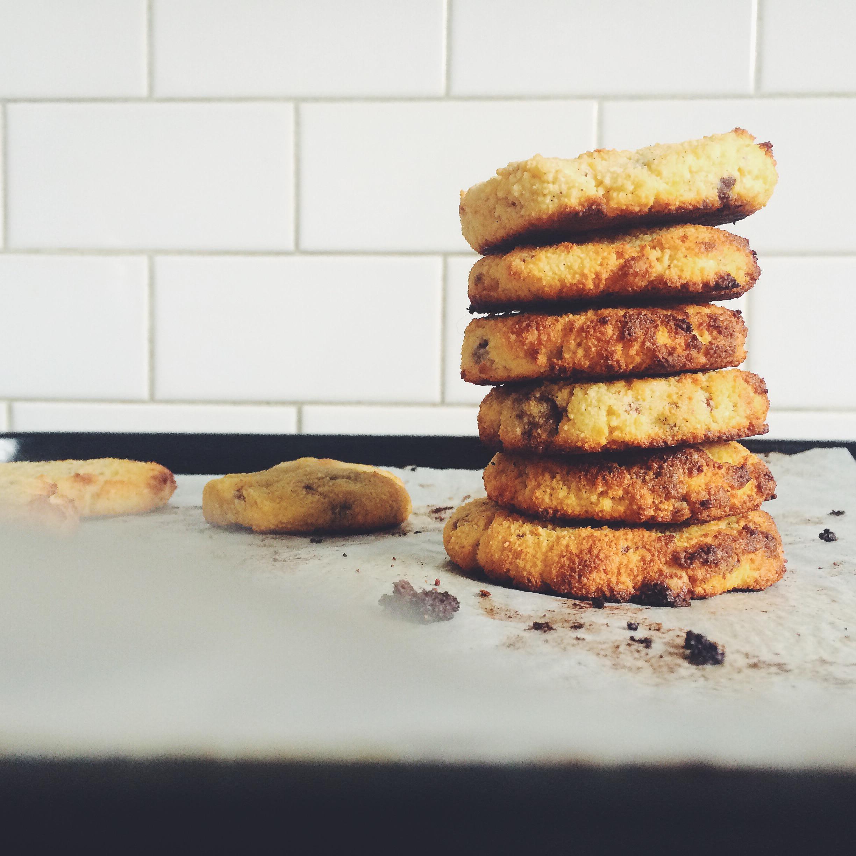 chocolate chunk coconut cookies