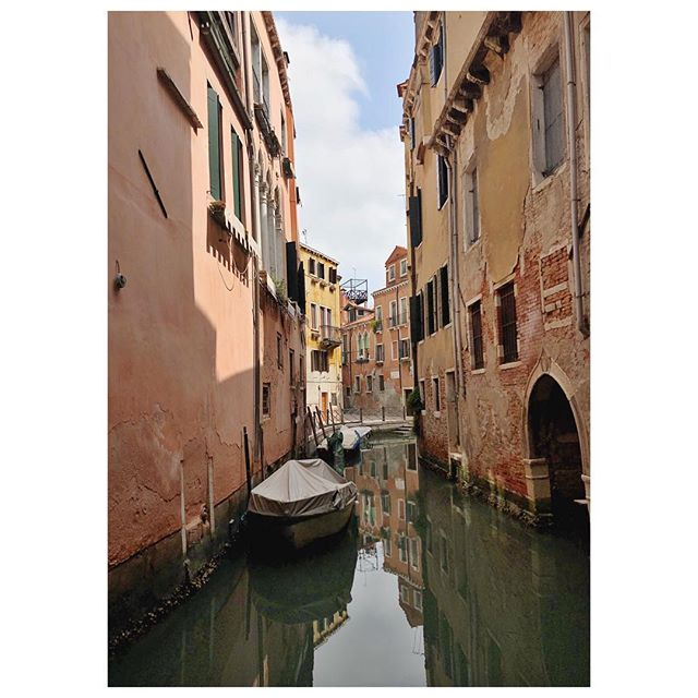 My love/hate relationship with Venice dissolves into a puddle of delight any time I find a quiet canal like this.