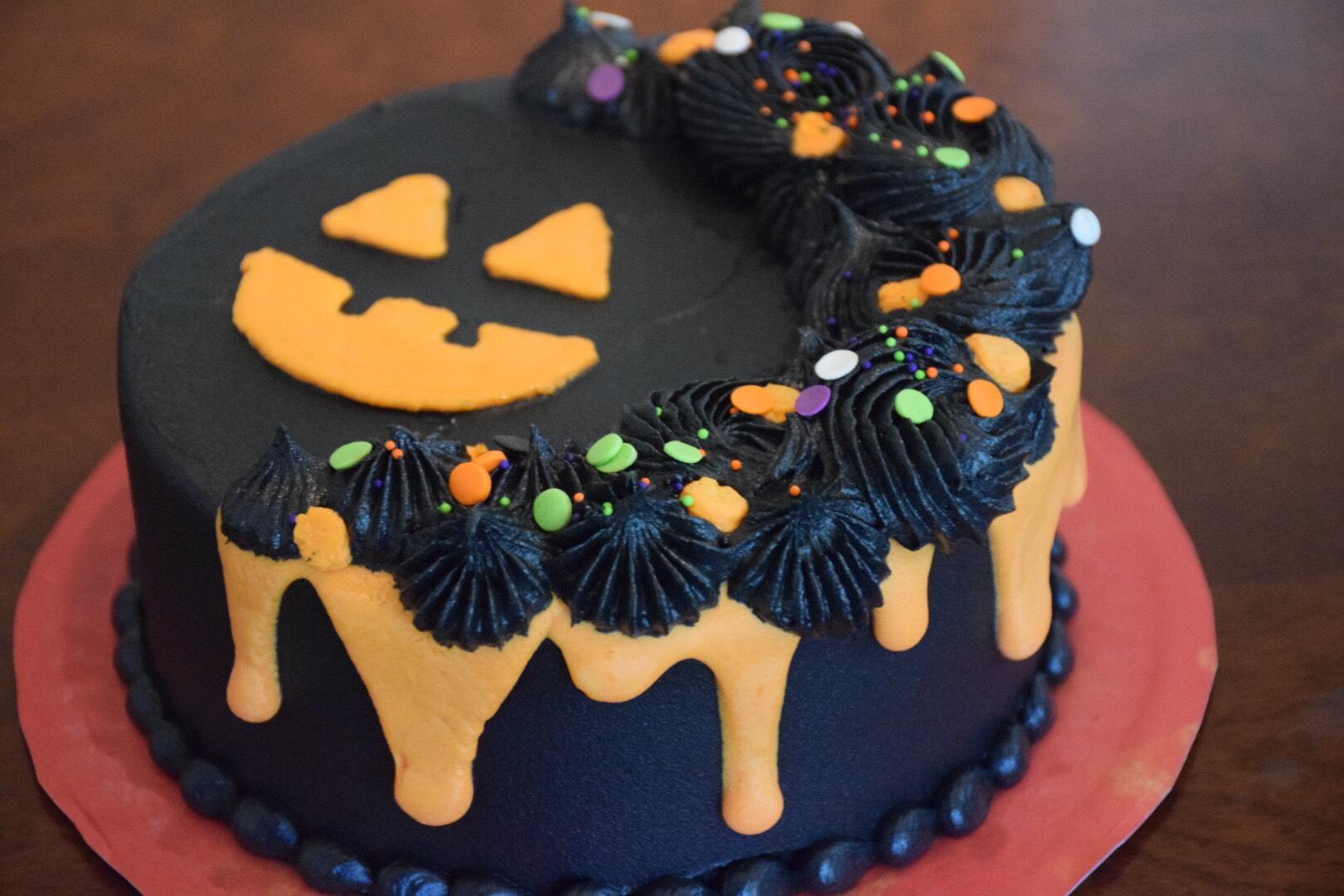 Beginner Cake Decorating Halloween Edition.jpg
