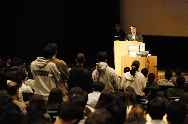 Dr. Craig's talks are often followed by a Q&A time. Berkeley students lined up for a chance to engage with him.