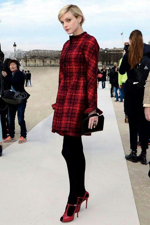 Model Jessica Stam, Paris Fashion Week 2013