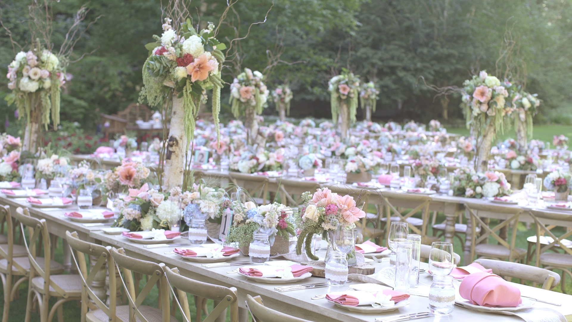 Nestldown Wedding Film | Bloomster's Florals